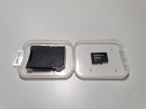 256 GB memória
